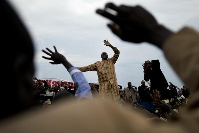 Le pasteur Robert Kayanja, le plus riche et influent d'Ouganda, dans l'une de ses églises de Mbarara, à l'ouest du pays.