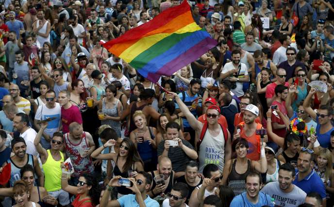 Plus d'1,5 million de personnes étaient attendues par les organisateurs de la plus grande Gay Pride d'Europe.
