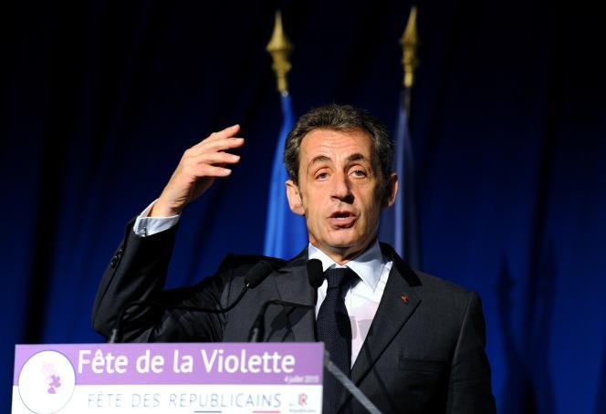 Lors de la Fête de la violette, à La Ferté-Imbault (Loir-et-Cher), le 4 juillet, Nicolas Sarkozy avait dénoncé la recherche de compromis avec la Grèce de François Hollande.