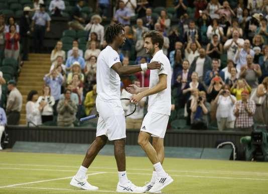 Gilles Simon et Gaël Monfils à Wimbledon, en 2015.