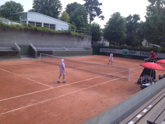 Les Championnats de France individuels de tennis Seniors Plus se jouent du 23 juin au 9 juillet sur les courts 4 à 18 de Roland-Garros.