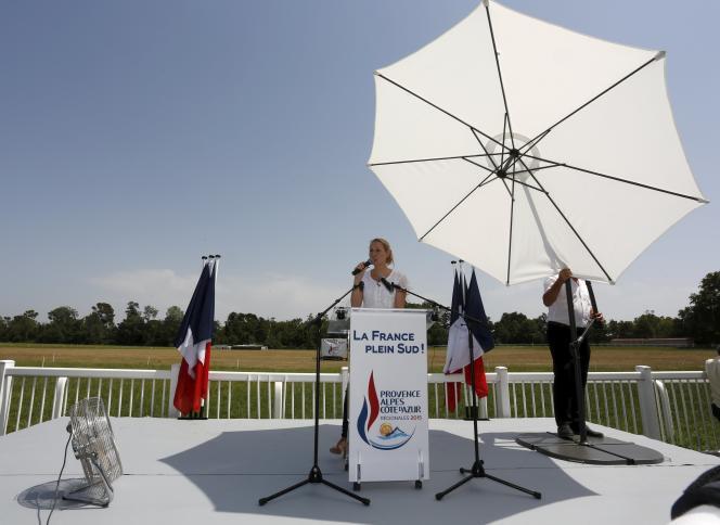 Marion Marechal Le Pen, députée FN du Vaucluse, a lancé sa campagne pour les régionales dimanche 5 juillet au Pontet.