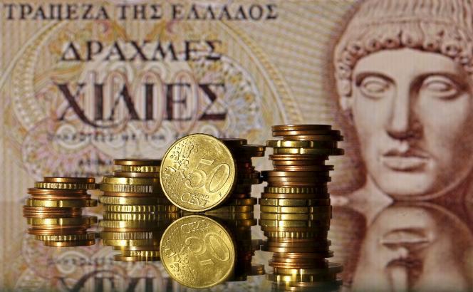Philippe Gudin, économiste chez Barclays, assure qu'en Grèce, « le lancement de la drachme se ferait dans un pays asphyxié économiquement et dans l'urgence : tout serait plus compliqué et chaotique ».