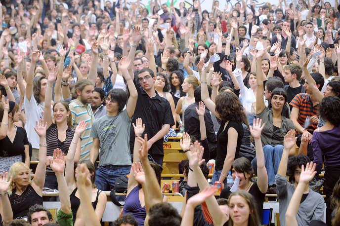 Selon le rapport annuel du ministère de l'enseignement supérieur, les étudiants n'ont jamais été aussi nombreux.