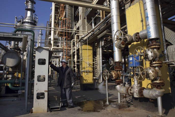 Dans une raffinerie au Sud de Téhéran, Iran, le 22 décembre 2014.