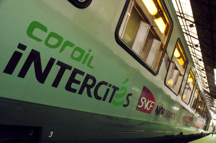 L'Etat va investir 1,5 milliard d'euros dans le renouvellement des trains Intercités d'ici 2025.