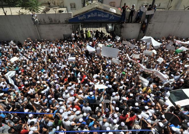 Manifestation de Berbères près de Ghardaïa, le 8 juillet.