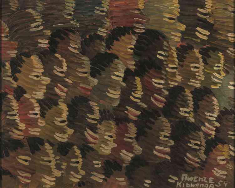 """""""Fils de tisserand, Mwenze est déjà peintre quand il rejoint l'atelier du Hangar en 1950. Il y développe un style propre fondé sur la technique de la hachure : des traits parallèles alternent teintes claires et sombres et épousent les formes des visages qu'il représente."""""""