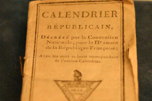 Un exemplaire de la première édition du calendrier républicain.