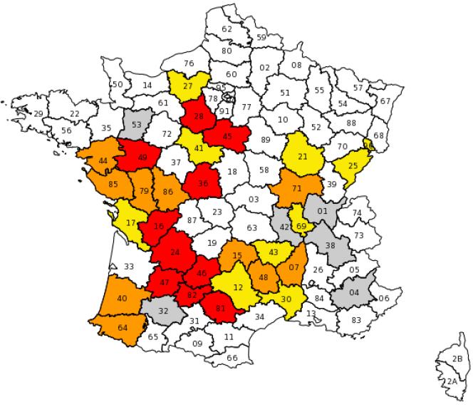 Les départements où des restrictions d'eau sont en cours.