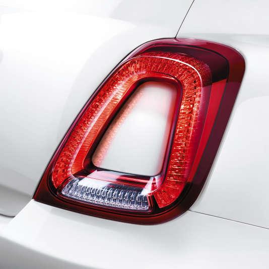 Le nouveau feu arrière de la Fiat 500.