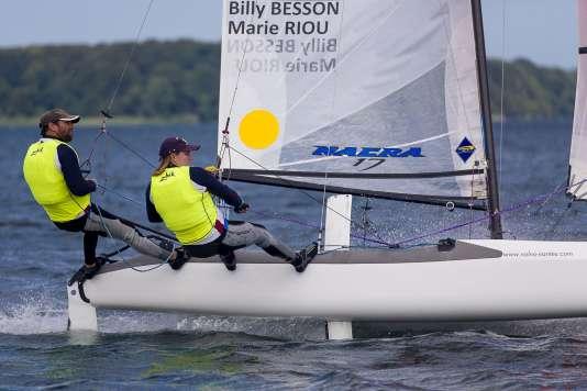 Billy Besson et Marie Riou en régate pour leur troisième titre mondial de suite sur Nacra17 à Aarhus (Danemark).