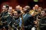 Branford Marsalis et l'Orchestre d'harmonie de la garde républicaine, lors du congrès SaxOpen, le 10 juillet 2015 à Strasbourg.