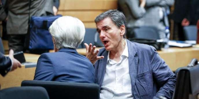Le ministre des finances grec Euclid Tsakalotos en discussion avec la patronne du FMI, Christine Lagarde, le 12 juillet à Bruxelles