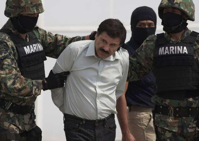 Le trafiquant de drogue Joaquin Guzman Loera, dit « El Chapo », lors de son arrestation le 22 février 2014, au Mexique.