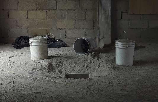"""Le tunnel par lequel s'est évadé """"El Chapo""""."""