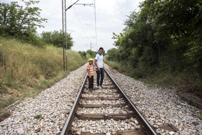 Ali, huit ans, et Hasan, seize ans, tous les deux originaires d'Afghanistan.