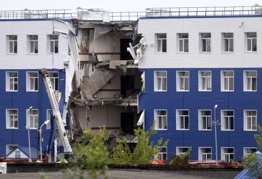 Une caserne située près d'Omsk, en Sibérie, s'est écroulée lundi 13 juillet, causant la mort de 23 militaires.