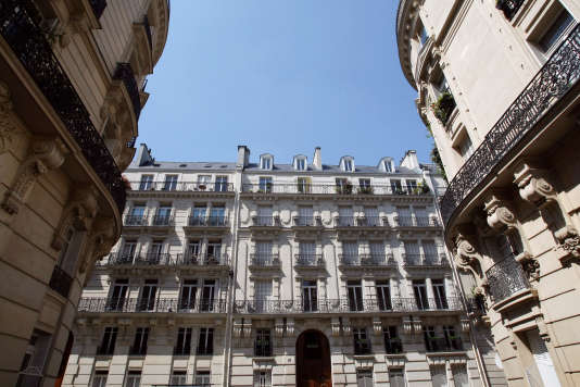 Des immeubles haussmaniens à Paris.