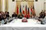 «Qu'il s'agisse de la relation avec la Russie, des questions d'immigration ou de l'Europe de la défense, la relation franco-allemande est essentielle» (Photo: réunion des ministres des affaires étrangères français, chinois, allemand, américain et russe autour de la Haute Représentante de l'Union européenne pour les affaires étrangères et la politique de sécurité sur le nucléaire iranien à Vienne, en Autriche), en juillet 2015).