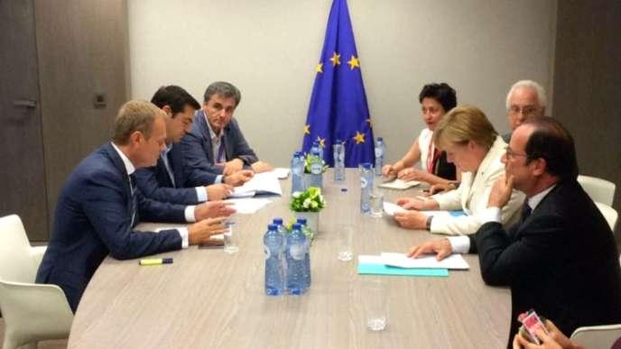 Merkel, Hollande et Tsipras réunis pour négocier la sortie de crise grecque