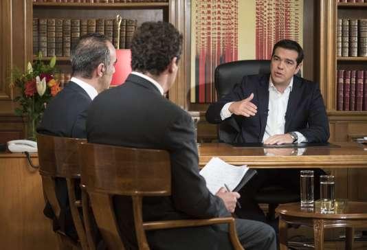 Alexis Tsirpas lors d'une interview télévisée, le 14 juillet.