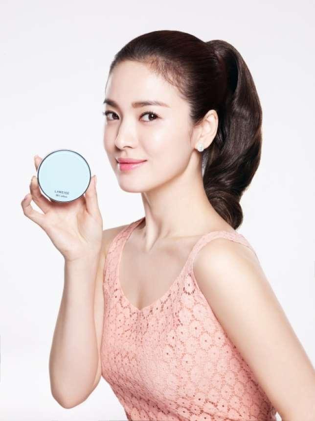 """La """"cushion cream"""", grand succès cosmétique en Asie, arrive en Europe."""