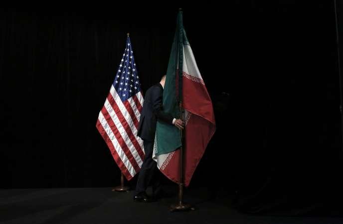 la situation est particulièrement tendue entre Téhéran et Washington, alors que les Etats-Unis doivent décider une nouvelle fois, en principe lundi, de continuer ou non d'alléger les sanctions contre l'Iran..AFP PHOTO / POOL / CARLOS BARRIA