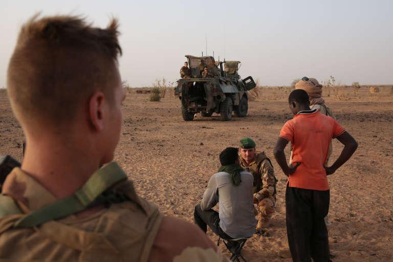 Des Maliens, des Mauritaniens et deux personnes en possession de passeports français tentaient de passer, lundi, de la Côte d'Ivoire au Mali.