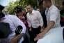 Le chef du gouvernement roumain, Victor Ponta, devant le siège du parquet anticorruption à Bucarest, le 13juillet.