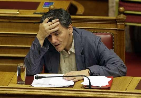 Le ministre des finances grec, Euclide Tsakalotos, au Parlement à Athènes, le 15 juillet.