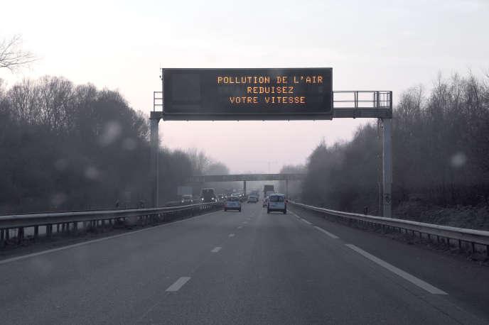 Près de Rennes un jour d'alerte à la pollution de l'air, le 23 janvier 2015.