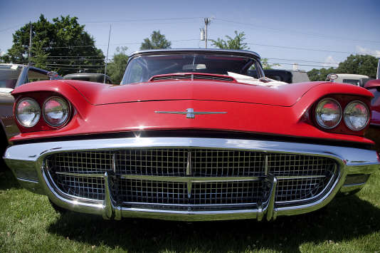 La Ford Thunderbird.