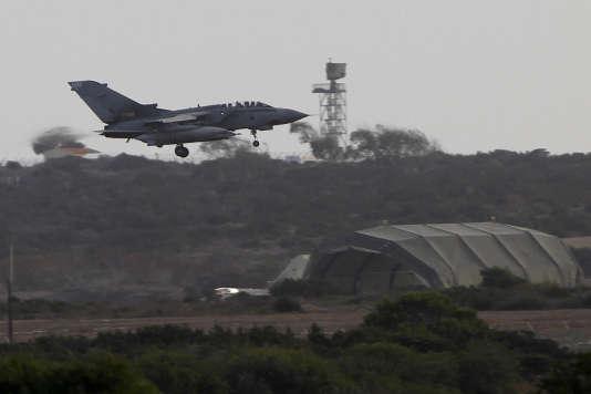 Un avion militaire britannique de la Royal Air Force à la base d'Akrotiri, à Chypre, enseptembre 2014.