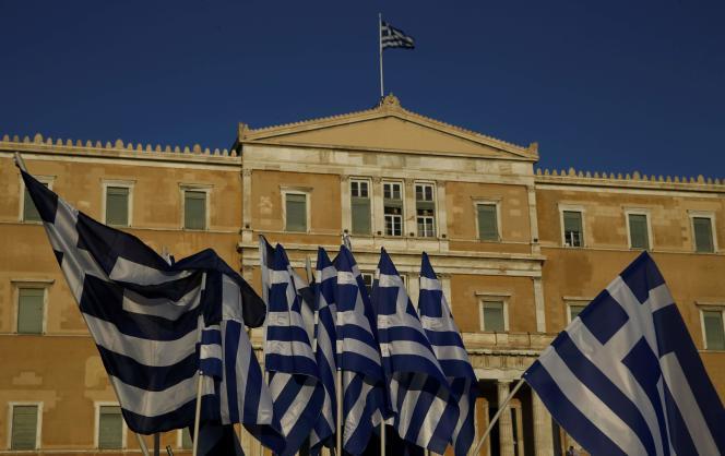Le Parlement grec a adopté, mercredi 15 juillet, des mesures d'austérité afin d'obtenir une nouvelle aide des créanciers européens.