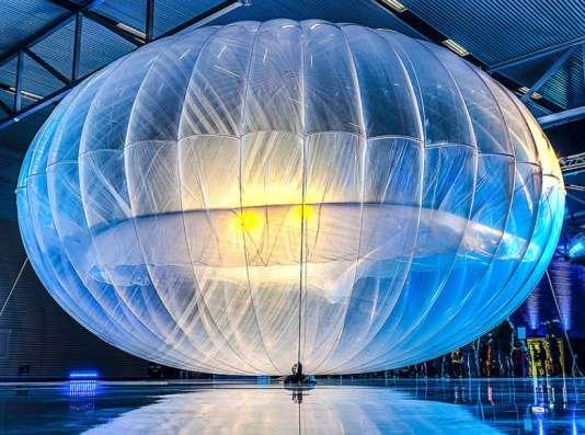 Un ballon Google Loon, lors de la présentation du projet en 2013.