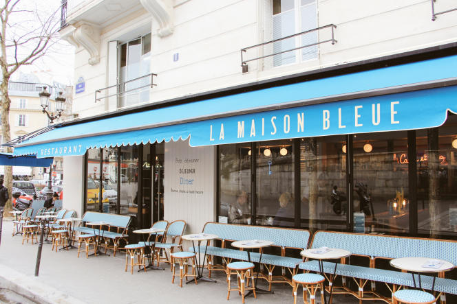 La façade de La Maison Bleue, à Paris (10e).