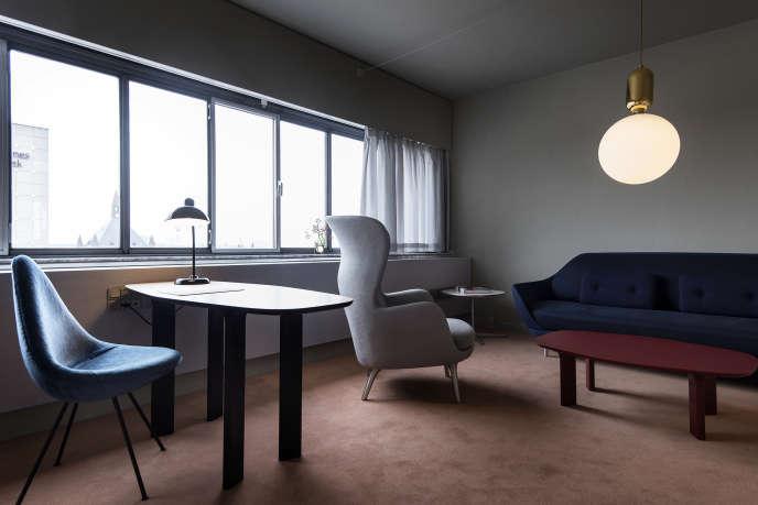 La chambre 506 du luxueux Hotel Royal Radisson Blue conçu, en 1960, à Copenhague, par l'architecteArne Jacobsen.