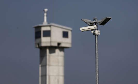 « Les conditions d'hospitalisation dans les chambres sécurisées sont plus restrictives des droits que les conditions de détention », déplore Adeline Hazan.