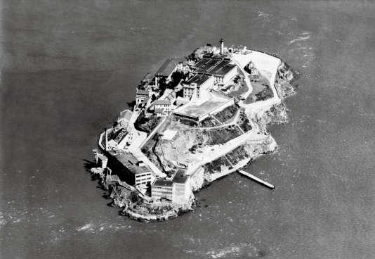 Une vue de la prison fédérale d'Alcatraz dans la baie de San Francisco, en Californie, prise en 1938.