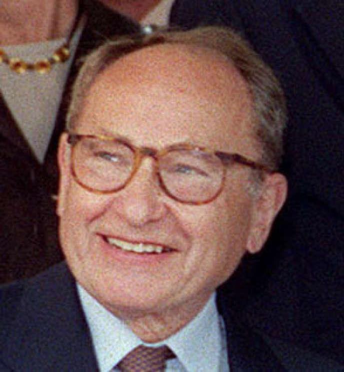 Hubert Prévot , le 01 juillet 2001, Paris.