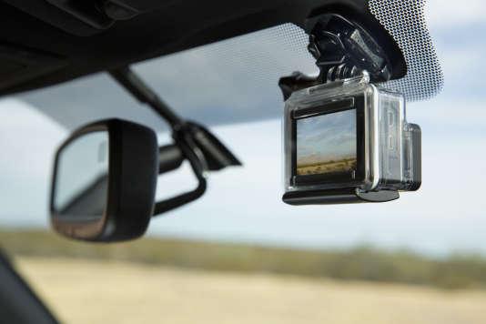 Aux Etats-Unis, la nouvelle version du Tacoma, le pick-up de Toyota, intègre un support pour une caméra GoPro.