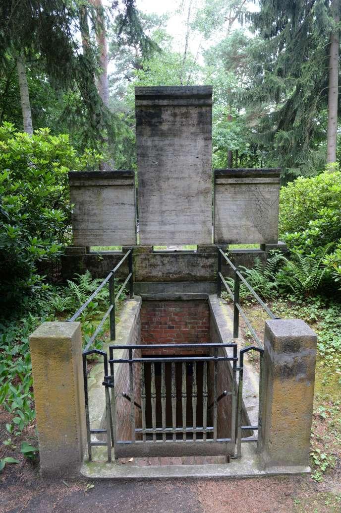 Le caveau de Friedrich Wilhelm Murnau dans le cimetière de Stahnsdorf en Allemagne, le 15 juillet 2015.