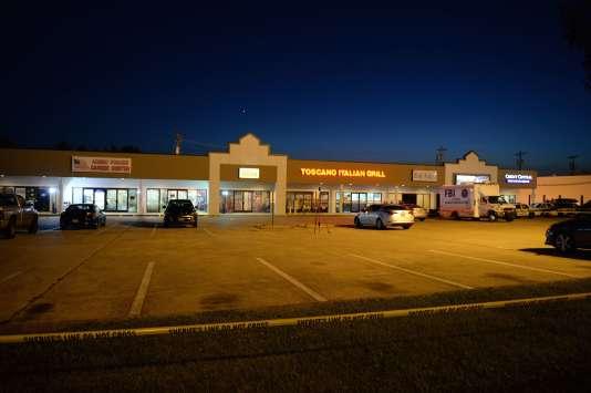 Le tireur présumé, un Américain d'origine koweitienne, a ouvert le feu dans une base réserviste de la marine et un centre de recrutement à Chattanooga.