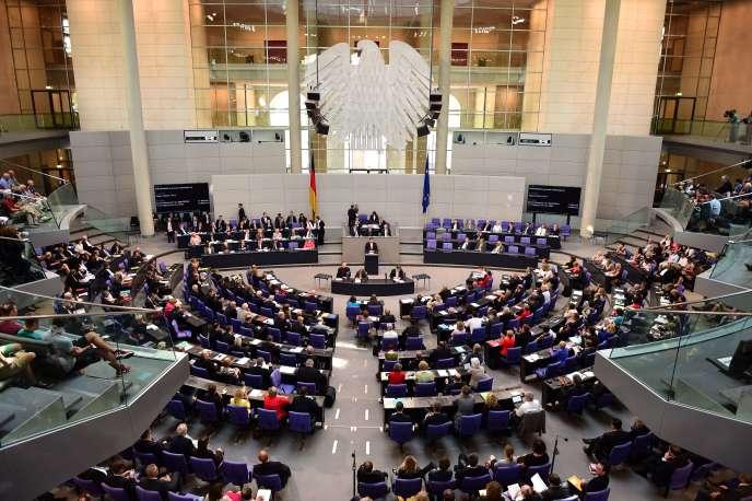 Les cinq « sages » du comité des experts ont fait paraître, mardi 28 juillet, un rapport spécial « sur les conséquences de la crise grecque », dans lequel ils appellent à un ensemble de réformes institutionnelles.