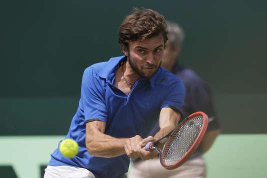 Gilles Simon a délivré une solide prestation face au Britannique James Ward en match d'ouverture de la Coupe Davis.