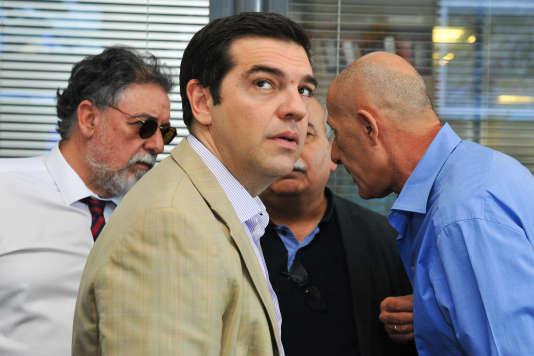 Alexis Tsipras a procédé à dix changements dans son équipe pour remplacer les ministres et vice-ministres qui ont voté contre l'accord de Bruxelles signé lundi.