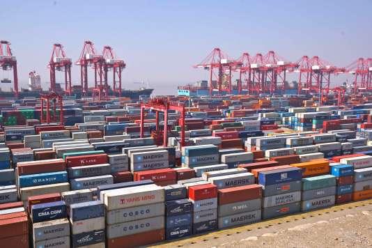 Yangshan près de Shanghaï, le plus  grand port artificiel.