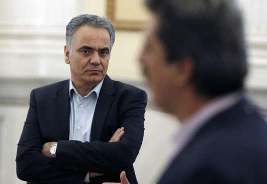 Le ministre de l'énergie grec Panos Skourletis prêtant serment au palais présidentiel d'Athènes, le 18 juillet 2015.