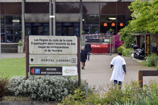 Les complications sont survenues « chez quatre patients adultes atteints de lymphome au CHU de Nantes entre le 10 et le 13 novembre » et « trois d'entre eux sont décédés le 10, le 12 et le 13 novembre ». « Le quatrième patient est toujours hospitalisé au CHU de Nantes ».